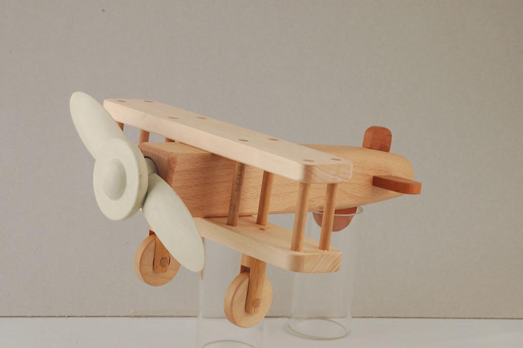 Giochi in legno per bambini e da collezione completamente fatti a mano